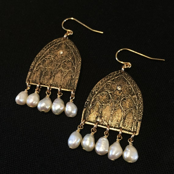Passage Earrings in Bronze, Sterling and pearl