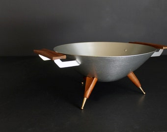 Vintage Mirro Medallion Aluminum Three Legged Bowl Mid Century Modern Atomic Giftware Designed by Austin Munson