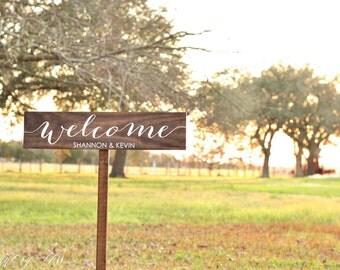 Wedding Welcome Sign, Wedding Calligraphy Sign, Flower Wedding Sign, Wooden Arrow Sign, Wedding Signage, Beach Wedding Sign