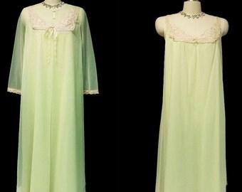 Vintage Vanity Fair Double Nylon Lace Peignoir Nightgown Lace Key Lime Cookie designer peignoir set vintage nightgown vintage peignoir