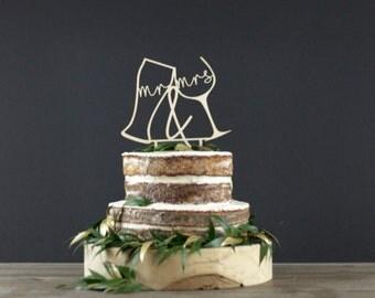 Wedding Cake Topper - Cake Decor - Wood Cake Topper - Wedding Decoration - Mr & Mrs