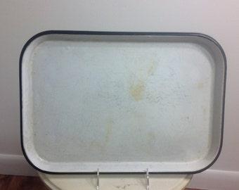Enamel black rimmed baking pan from the 1950s