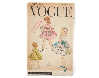 Vintage Sewing Pattern Doll Clothing Vogue #2742 Girl's Dress and Petticoats size 6