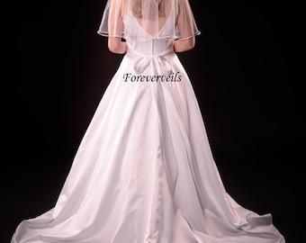 Simple 1 tier elbow veil, white, ivory or diamond white - satin or cut edge