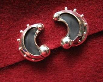 Vintage RENOIR SAUTEUR Clip Earrings -- Sterling Silver and Black Enamel, 15.8g Total, Excellent Condition