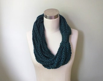 Peacock Chain Scarf Necklace . Mid Length . Blue Green Infinity Scarf . Braided Scarf . Crochet Chain Scarf . Crochet Scarf .. Rope Scarf