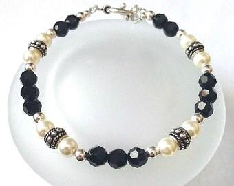 Black Swarovski Crystal Bead Bracelet, Beaded Jewelry, Swarovski Bracelet, Crystal Pearl Bracelet, Black and White Elegant Jewelry