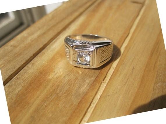 18k Hge White Gold Men S Ring With Rhinestone Center Size