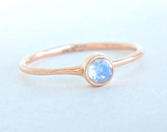 Rose Gold Moonstone Ring 14k Gold Natural Moonstone Rose Gold Ring Rainbow Moonstone Engagement Ring Alternative Engagement Ring