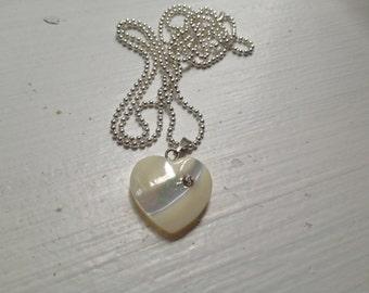 nacre heart pendant