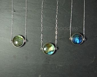 Labradorite Necklace // Labradorite Silver // Labradorite // Labradorite Flash // Labradorite Jewelry // Labradorite bezel