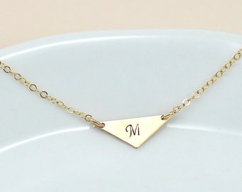 Perfect Triangle Necklace, Gold Triangle Necklace, Gold or Silver Initial Necklace Everyday Necklace, Personalized Necklace