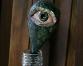 Eye on a stem | Creepy Ha...