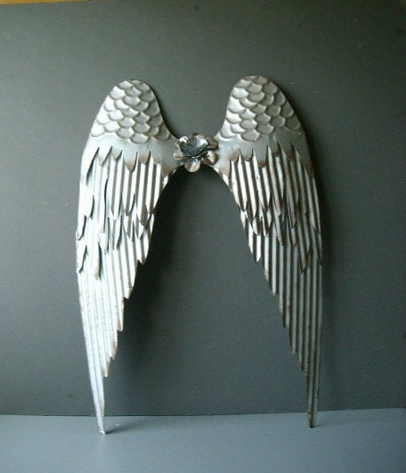 Angel wings silver angel wings wall decor tarnished silver for Angel wall decoration