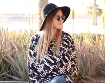 Mod Momma Nursing Poncho / Doubles as a Carseat Cover / Black and White