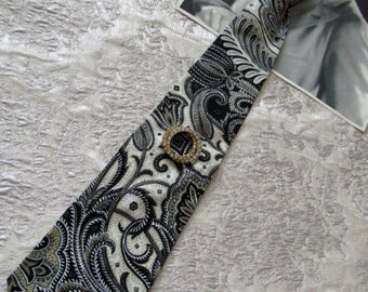 Men's Wear Inspired Tie Black, Ivory, Khaki with Vintage Pin