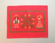 DANISH CHRISTMAS Tray Cloth / Table Center /Table Mat / Place Mat / Nisser / Gnomes / Elves / Spruce / Red / Red-orange / Green / 70s