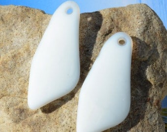 2pcs (48X22mm) LG White Opaque Shard Cultured Sea Glas Beach Glass Pendant Bead - 2 Pieces