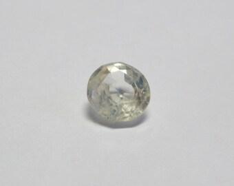 Very faint Yellow/ off white natural Ceylon sapphire 1.01ct 5mm round