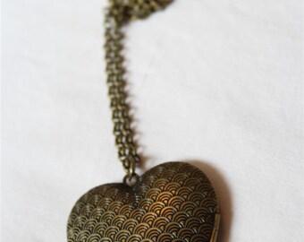 "Necklace ""LOCKET HEART SCALES"""