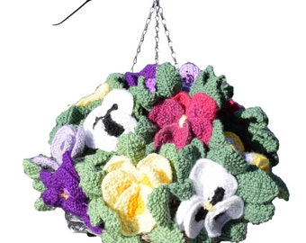 Knitted pansy hanging basket, pansy knitting pattern, knitting pattern for flowers and leaves, knitted flowers, flower display, pansy basket
