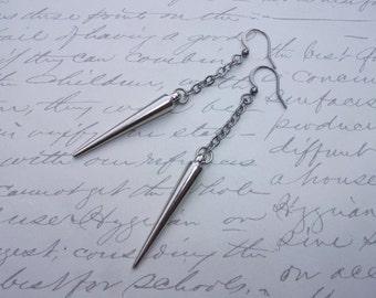 Long spike earrings on chain