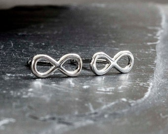 Infinity earrings of 925 sterling silver