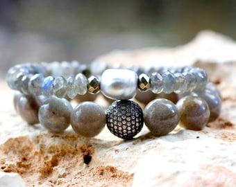Labradorite Stretch Bracelet, Labradorite Bracelet, Pearl Bracelet, Gray Pearl Bracelet, Gray Bracelet, Gemstone Bracelet, Layering Bracelet