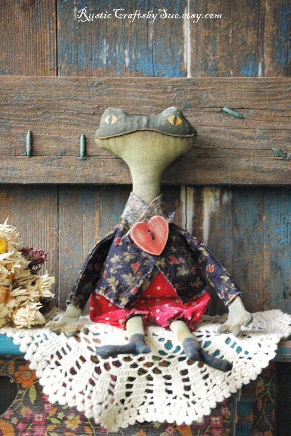 Mr.Toad-Primitive Frog-Primitive Rag Doll-Spring Decor-Valentines Decorations-Primitive Decor-Valentine's Gift
