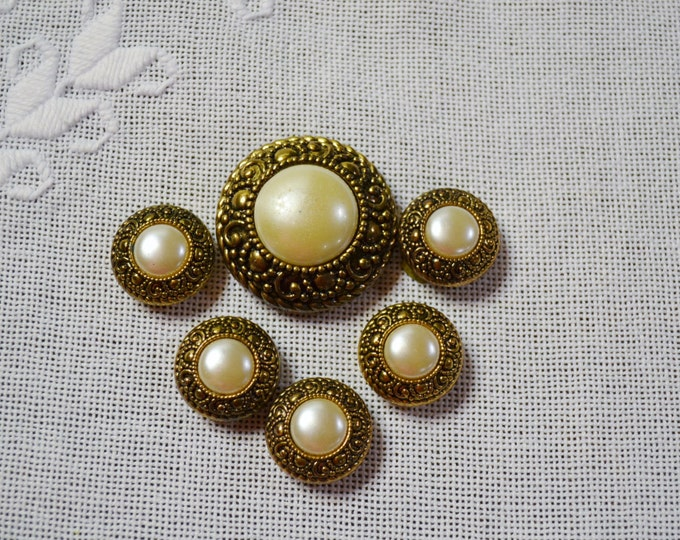 Vintage Button Cover Set of 6 Faux Pearl Ornate Gold Tone Metal Round PanchosPorch