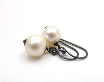 Oxidized silver pearl earrings, white pearl jewelry, rustic pearl drop earrings, June birthstone earrings, freshwater pearl dangle earrings