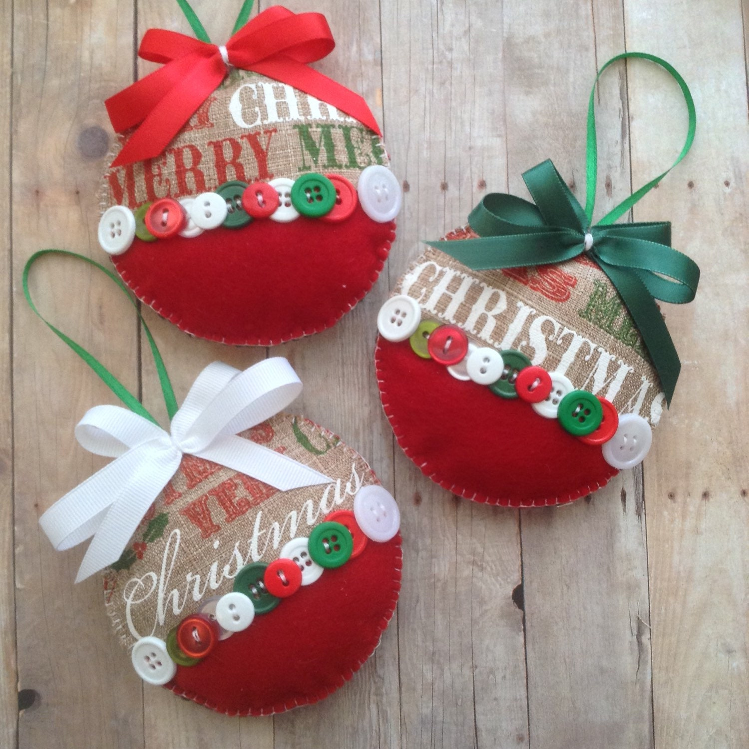 Christmas burlap ornaments xmas fabric ornaments xmas for Christmas ornaments to decorate