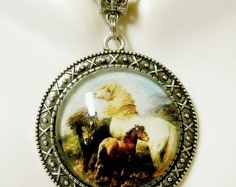 Three ponies on a hillside pendant and chain - HAP25-003