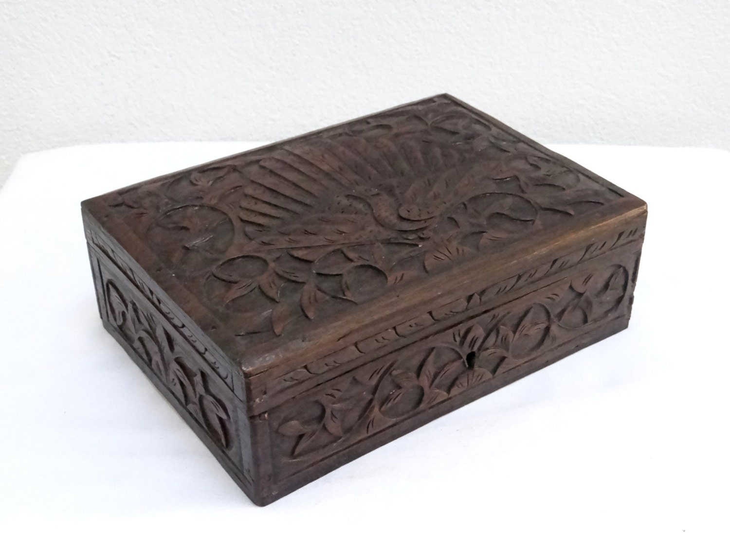Vintage carved wood jewelry box colonial dutch art deco for Vintage antique jewelry box