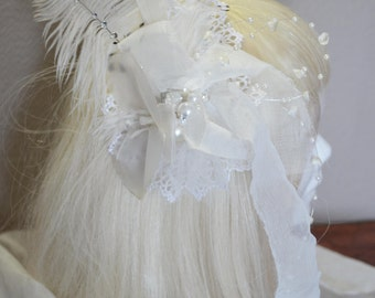Flowered white hair comb