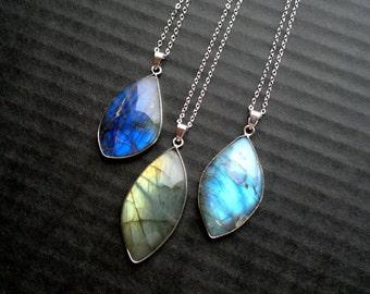 Labradorite Necklace Labradorite Pendant Silver Bezel Labradorite Jewelry Labradorite Bezel Stone Necklace Blue Labradorite Pendant Mystic