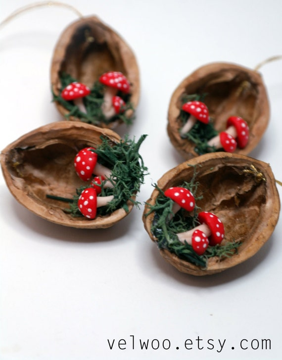 Christmas Ornaments Mushroom walnut shell Tree Decorations