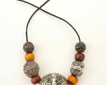 Berber Egg bead necklace - Tagemout bead
