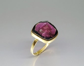 Exquisite pink Tourmaline ring set in 18K gold - gift idea - unique natural stone - solid gold - fine jewelry - watermelon Tourmaline