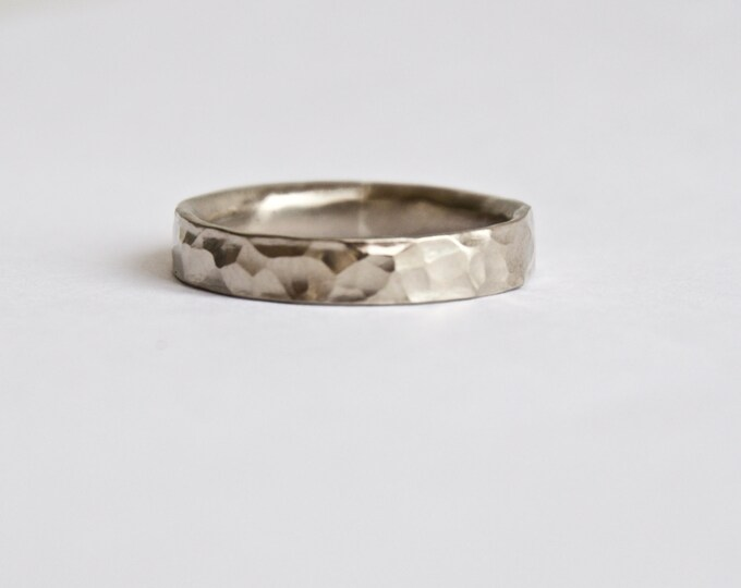 Hammered White Gold Ring - Rustic Wedding Ring - Wedding Bands  - 18 Carat Gold Ring - Men's Women's - Unique Wedding Rings