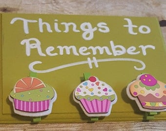 Things To Remember Green Sign with Cupcake Clips for Hanging, Cute Kitchen Sign, Cupcake Sign, Colourful Kitchen Decor, Kitschy Kitchen Sign
