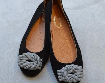Decorated flat shoes / Artistic shoes / Suede ballet flats / Womens shoes / black flat shoes / gray shoes / black suede shoes.