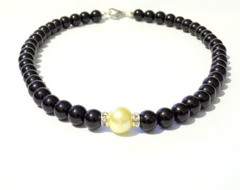 Black and yellow pearl necklace, yellow necklace, black necklace, yellow pearl necklace, beaded necklace, bridesmaid necklace