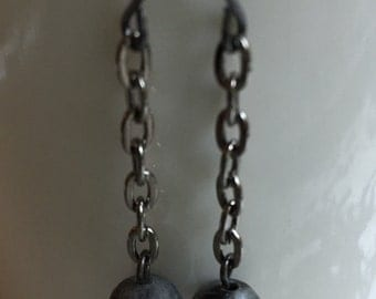 Grey stone and gunmetal drop earrings.