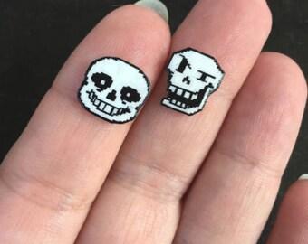 Sans and Papyrus earrings : Undertale shrinky dink stud earrings