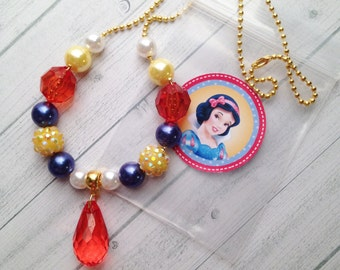 8 Princess Snow White Necklace Party Favors Snow White Birthday Party Activity Snow White and the Seven Dwarfs Party Favor Snow White Party