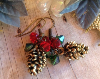 Holiday Jewelry, Christmas Jewelry, Holiday Earrings, Pine Cone Earrings, Holiday Gifts, Christmas Gifts