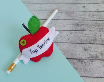 Teacher thank you gift - apple for teacher - felt apple brooch - teacher gift - teacher brooch - teacher appreciation gift - PresentsFelt