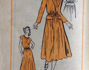 Prominent Designer DW3 Mail Order Pattern A901 - 1970s Dress and Long or Short Sleeve Jacket