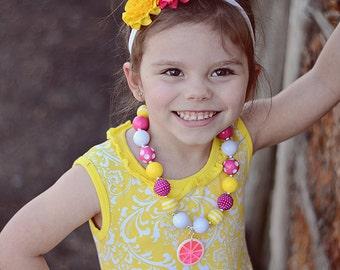 Pink Lemonade Necklace, Chunky Beads Necklace, Birthday Gift, Photoshoot Jewelry, Lemonade Stand Photoprop, Summer Necklace, Birthday Gift